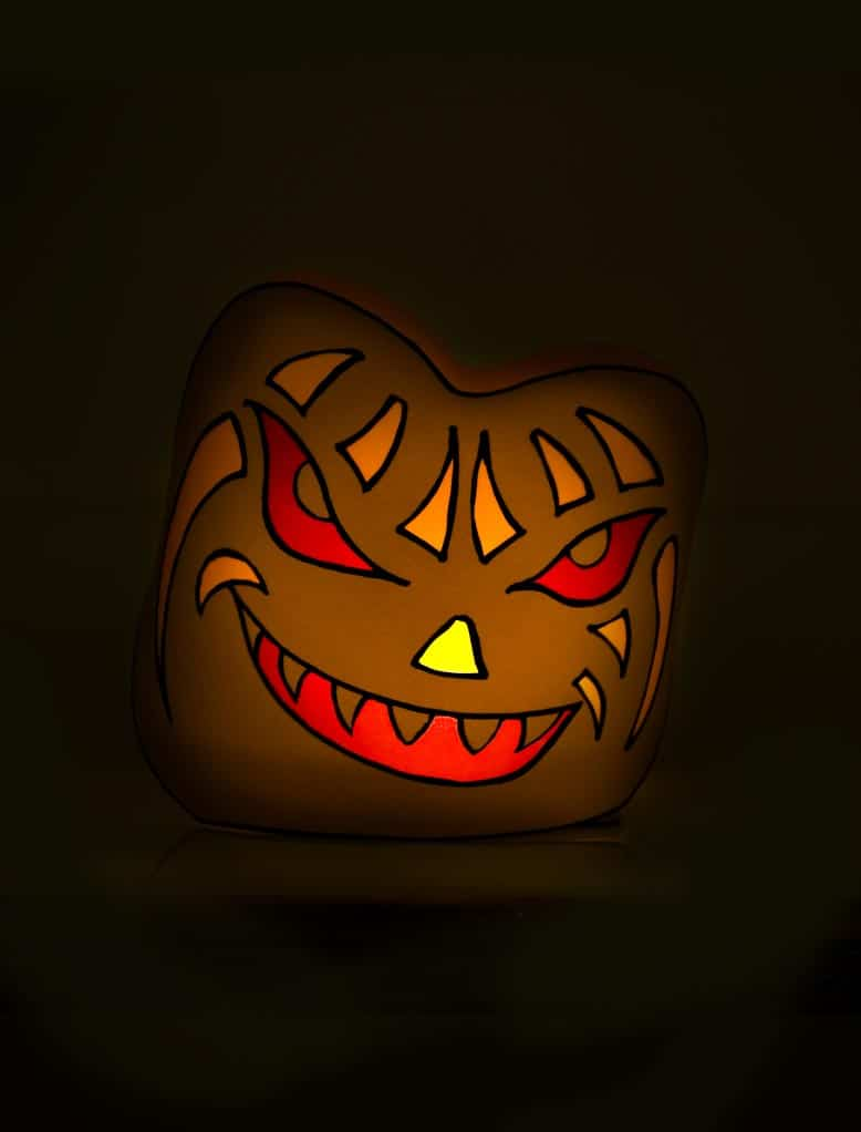 Halloween Deko zum selberbasteln - Gruseliges Windlicht mit Kürbisfratze