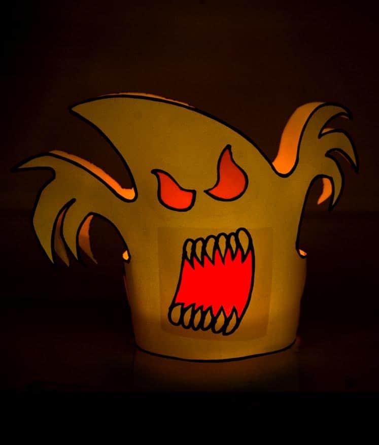 teelichter basteln halloween deko zum selberbasteln gruseliges windlicht gespenst teelichthalter mit transparentpapier