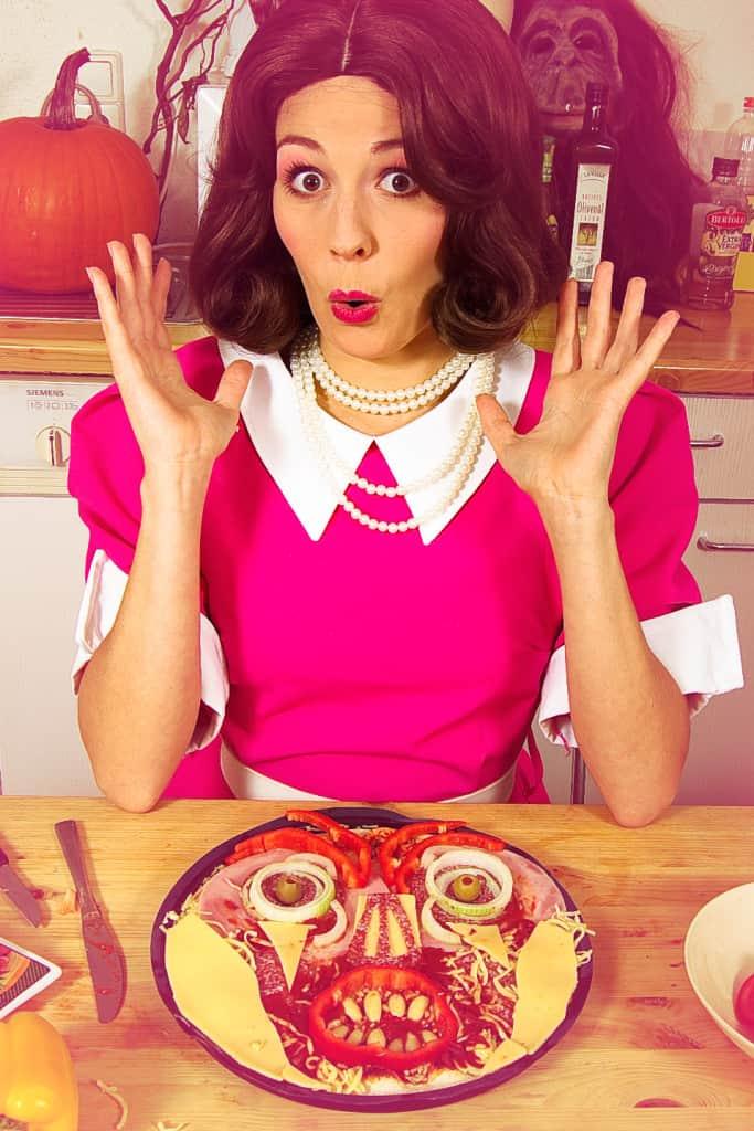 Halloween-Rezept-Monster-Pizza-selbstgemacht-2