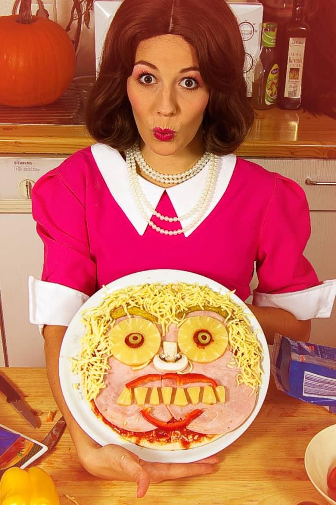 Halloween-Rezept-Monster-Pizza-selbstgemacht-3