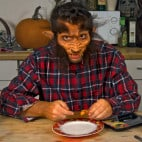 Halloween Rezept Würstchenfinger: Das Nagelbrett
