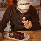 Halloween Rezepte Sarkophag Kuchen: Sarg lverzieren
