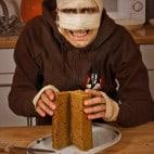 Halloween Rezepte Sarkophag Kuchen: Deckel aufklappen