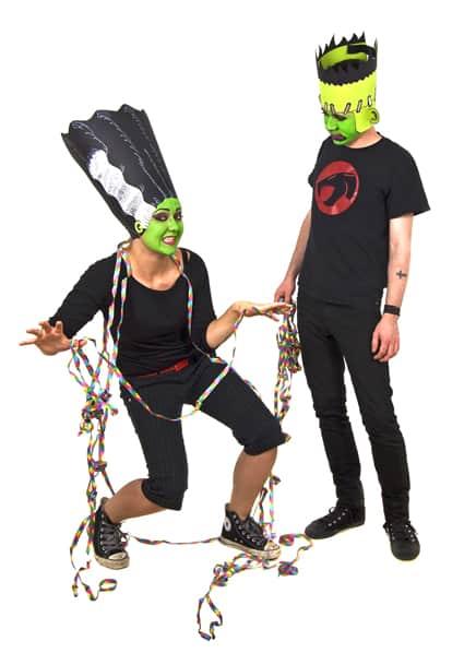 Frankenstein und seine Braut versuchen sich im Tanz | © halloween.de