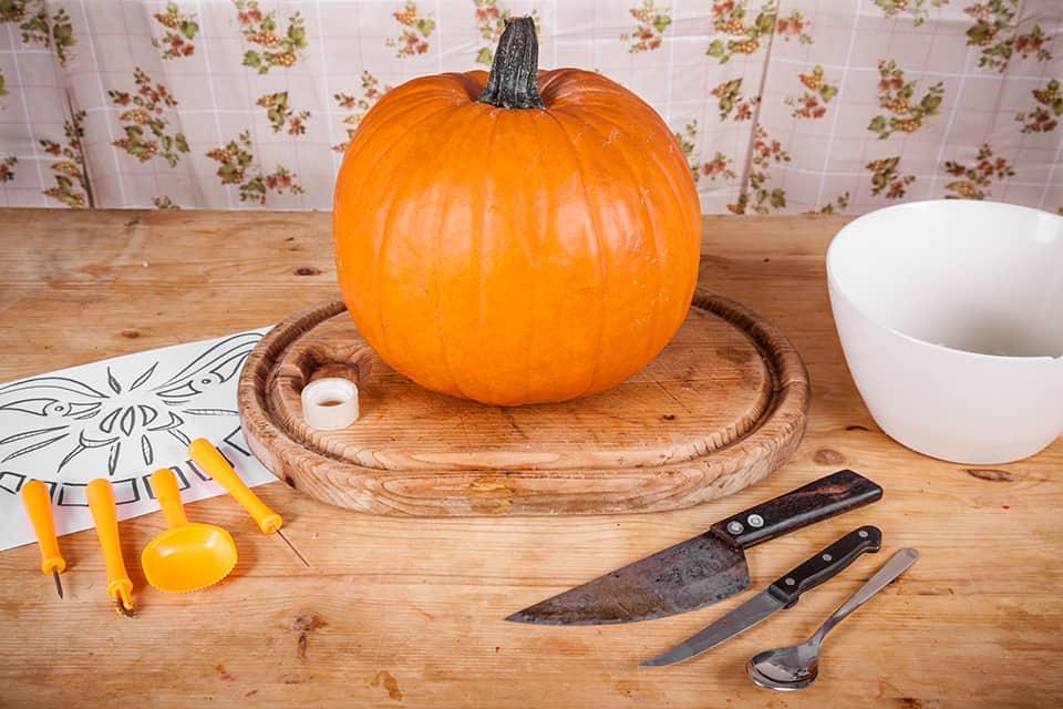 Halloween Kürbis schnitzen Material