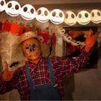 So wird die Halloween Girlande aufgehangen