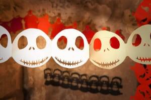 Halloween Girlande Skelettkopf - Skelett Deko aus Papier