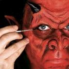 Anleitung für das Schminken eines Teufels