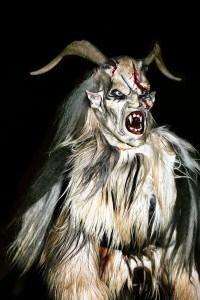 Der Krampus ist eine Sagengestalt, die sich auch an Halloween sehen lassen kann. Quelle: wikipedia | © Matthias Kabel