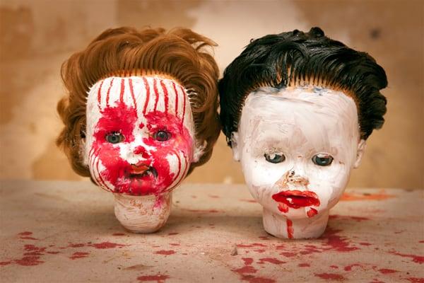 Halloween-Girlande-aus-Puppenkoepfen20100908Halloween-Girlande-aus-Puppenkoepfen1168