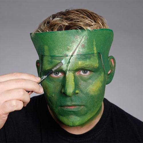 Halloween Schminkanleitung Frankensteins Monster mit Scary Skin (7)