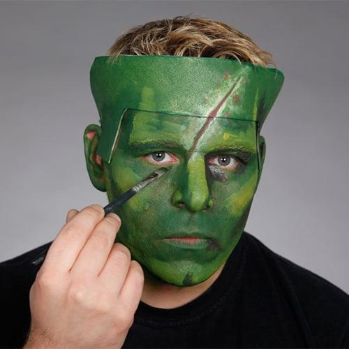 Halloween Schminkanleitung Frankensteins Monster mit Scary Skin (8)