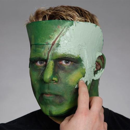 Halloween Schminkanleitung Frankensteins Monster mit Scary Skin (9)