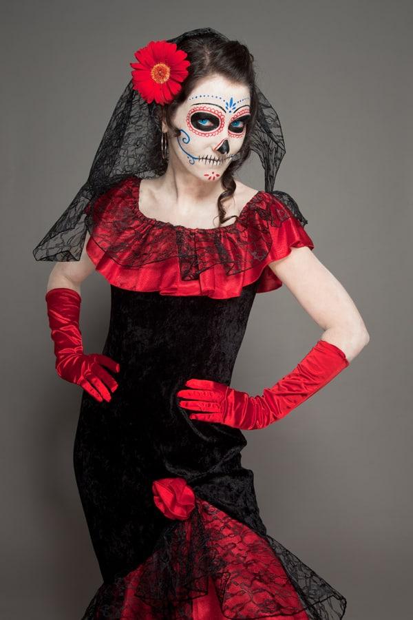 Dia de los Muertos Lady im roten Kleid