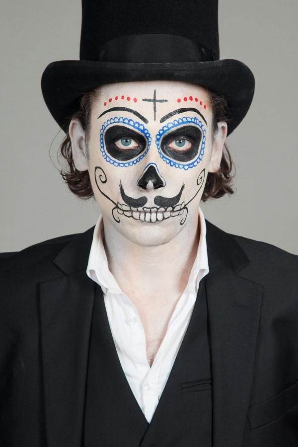 Halloween elegant: als Dia de los Muertos Kavalier
