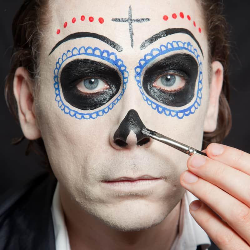 Schminkanleitung d a de los muertos make up - Mexikanische totenmaske schminken ...