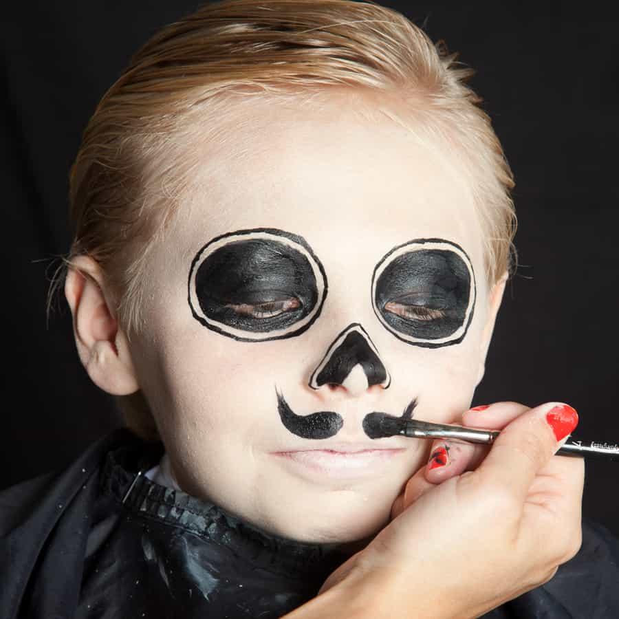 Halloween Schmink Kind.Halloween Kinder Schminken Dia De Los Muertos Make Up