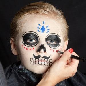 Dia de los Muertos Make Up Schmink-Anleitung Junge  (9)