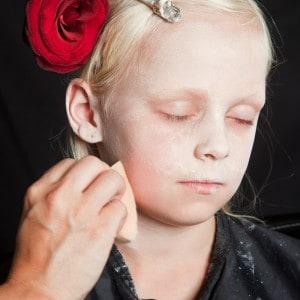 Dia de los Muertos Make Up Schmink-Anleitung Mädchen (1)