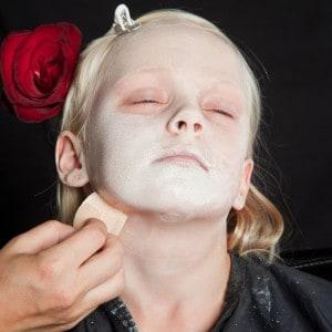 Dia de los Muertos Make Up Schmink-Anleitung Mädchen (2)