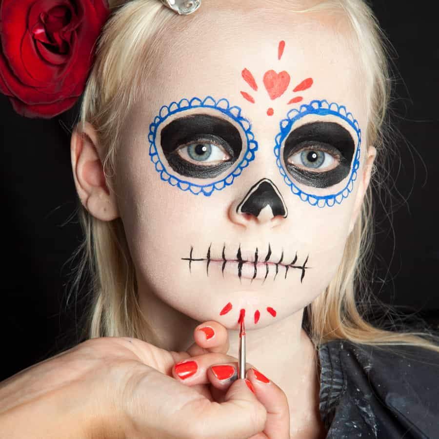 Halloween kinder schminken d a de los muertos make up - Pinturas para halloween ...