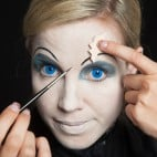 Halloween Make-up Broken-Doll Schminkanleitung-11