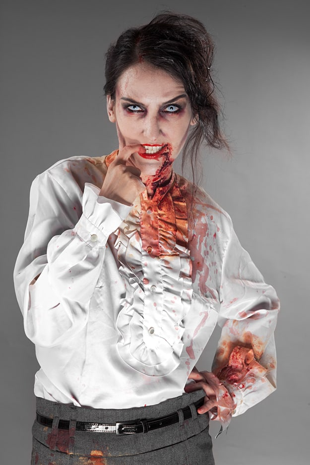 Frau Zombie ist hungrig