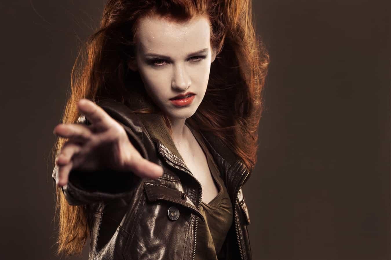 Schminkanleitung für ein elegantes Vampir Make up