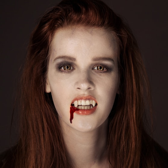Halloween Basteln Teenager.Halloween Make Up Teenager Vampir