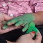 Kinder Halloween Make-up Schminkanleitung Kiemenmensch 39