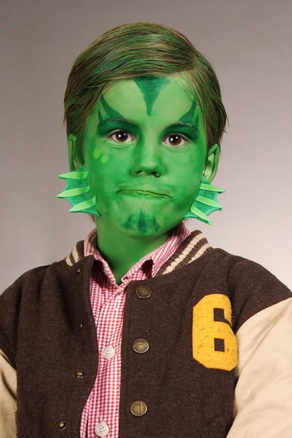 Kinder Halloween Make-up Kiemenmensch mit Vorlagen zum downloaden