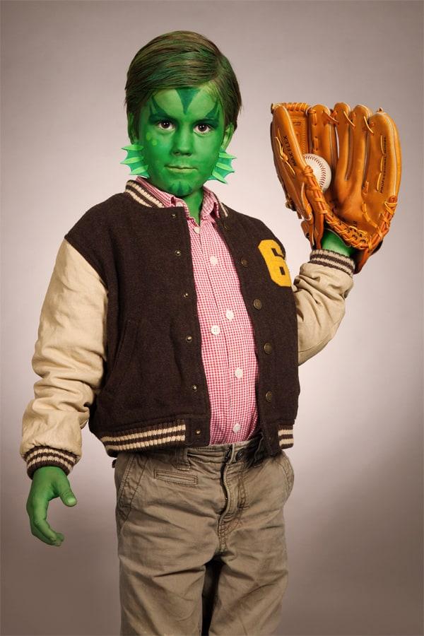 Originelles Halloween Verkleidung für Kinder: Der Kiemenmensch im Retro Look