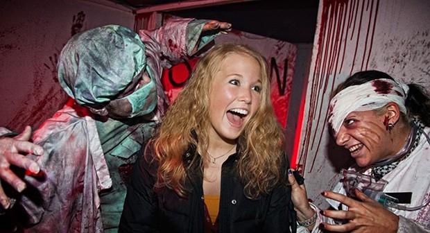 halloween horror fest im moviepark germany das horror grusel magazin f r. Black Bedroom Furniture Sets. Home Design Ideas