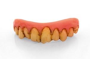 Halloween Schminkanleitung Urmensch Zähne
