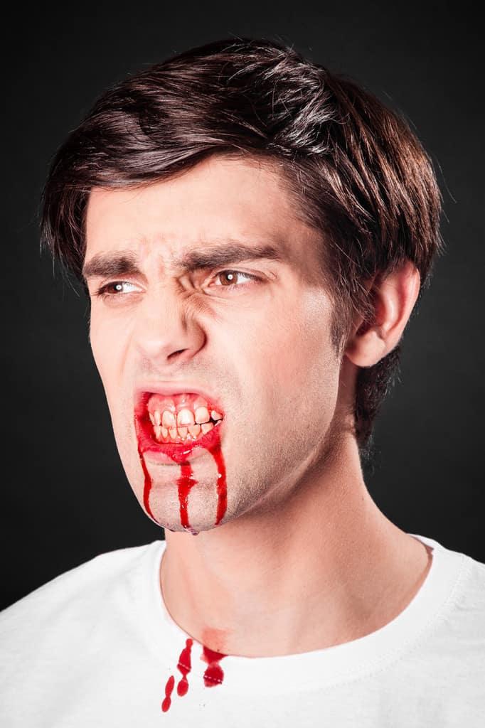 Blutkapseln Blut schminken
