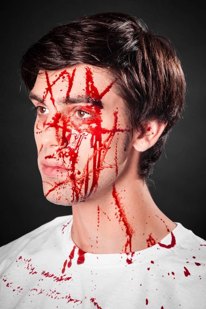 Blutspray für vielfältige Bluteffekte schminken