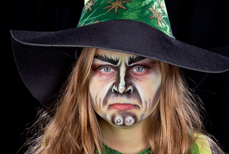 Kinderschminken Hexe So Wirst Du Zur Halloween Hexe Halloween De