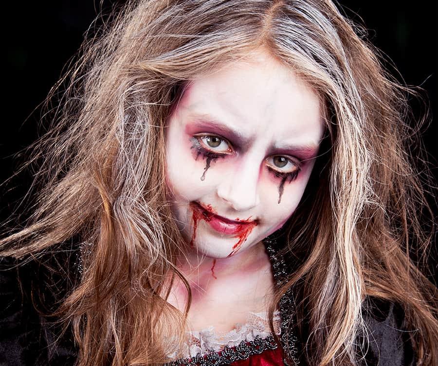 Kinderschminken Vampir Halloween