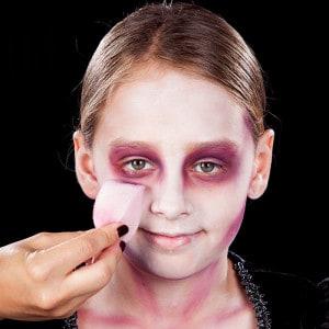 Kinder-Vampir: Schminken zu Halloween