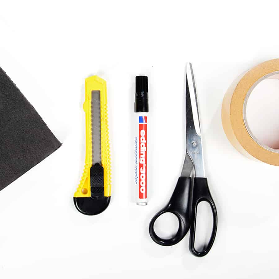 Materialien Slenderman Schmink-Tutorial