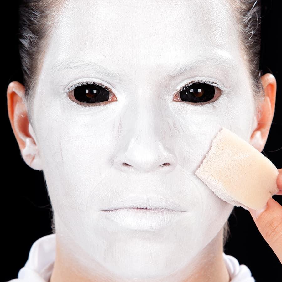 Halloween schminkanleitung horror nonne - Weisse wandfarbe deckend ...