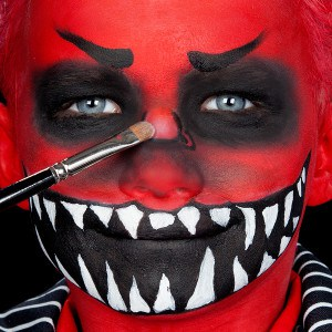 Halloween Kinderschminken Anleitung Fressmonster (9)