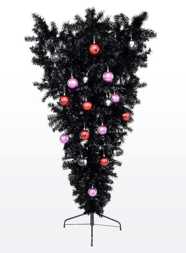 Schwarzer Weihnachtsbaum.So Wird Weihnachten Zum Besinnlichen Gruselfest Halloween De