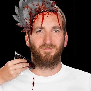 Einfacher blutiger HalloweenSchmink Effekt  (10)