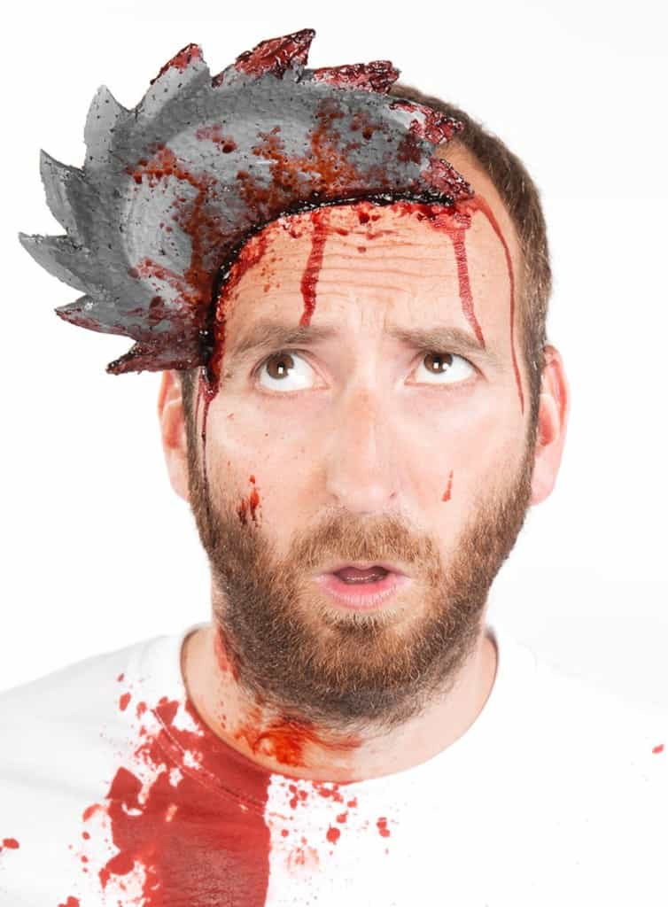 Einfacher blutiger HalloweenSchmink Effekt  (11)