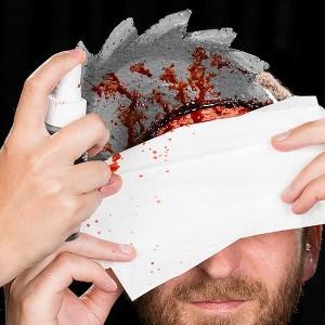Einfacher blutiger HalloweenSchmink Effekt  (8)