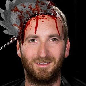 Einfacher blutiger HalloweenSchmink Effekt  (9)