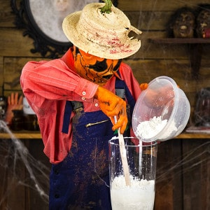 Halloween Deko Zombie Hand im Blumentopf (1)