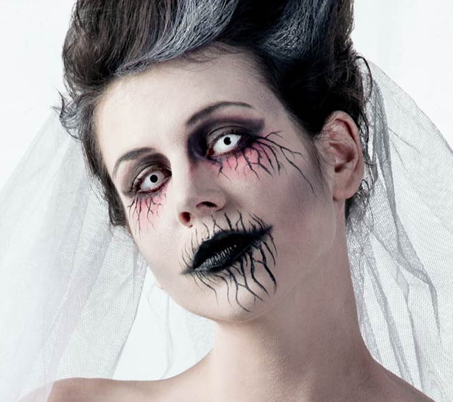 Halloween-Make-up-Unheimliche-Geisterfrau