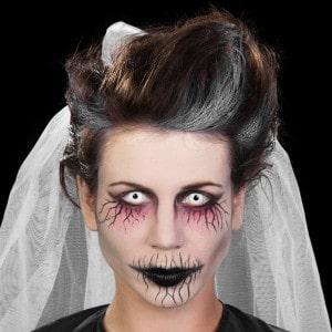 Halloween Schminkanleitung Unheimliche Geisterfrau (13)